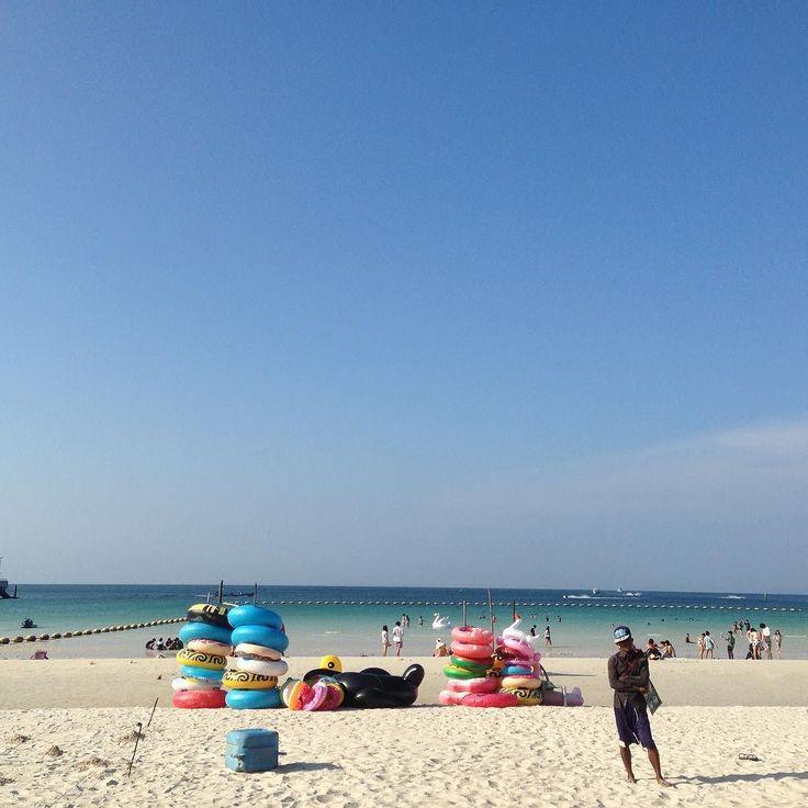 タイバンコクより約4時間南東に行った所にある綺麗なビーチのある島ラン島  水平線のこの感じは最高ですね  想いよはるかかなたへ  クサっ  #taiwa #cocoacana #vthailand #pattaya #タイ #ラン島 #旅 #旅行 #観光 #写真 #海外 #海外生活 #海外旅行 #バックパッカー #浜辺#旅人 #海 #自分磨き #地球の歩き方 #世界 #ビーチ #コラム #ここあかな #sea