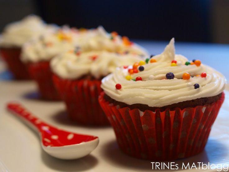 » Sjokolade cupcakes med sitronkrem