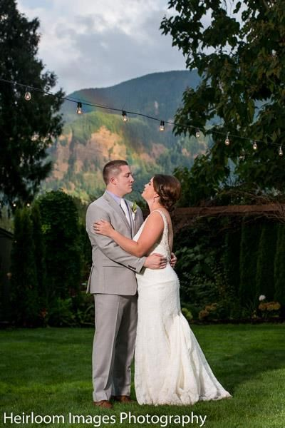 Wedding Venue Located 25 East Of Vancouver Wa In The Columbia Gorge With Amazing View Affordable