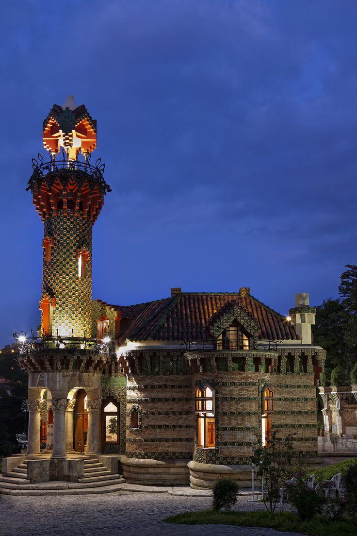 El Capricho de Antoni Gaudi. -