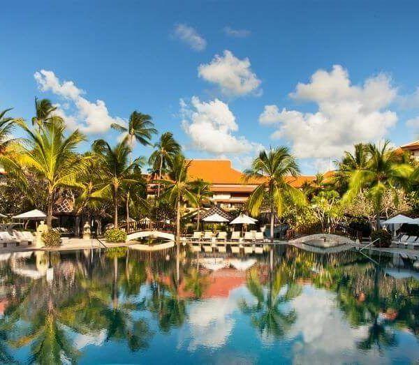 Отель The Westin Resort (Ex. Sheraton Nusa Indah) расположен на белоснежном песчаном пляже в Нуса-Дуа ☀, в 15 минутах езды от международного ✈ аэропорта Нгурах-Рай, в 2 минутах ходьбы от пляжа. #Индонезия   К услугам гостей отеля The Westin Resort 7 ресторанов , спа-салон, 5 открытых  бассейнов, бесплатная парковка и бесплатный Wi-Fi на всей территории . #отдых  Номера оснащены кондиционером, сейфом, принадлежностями для чая/кофе, телевизором, ванной комнатой...