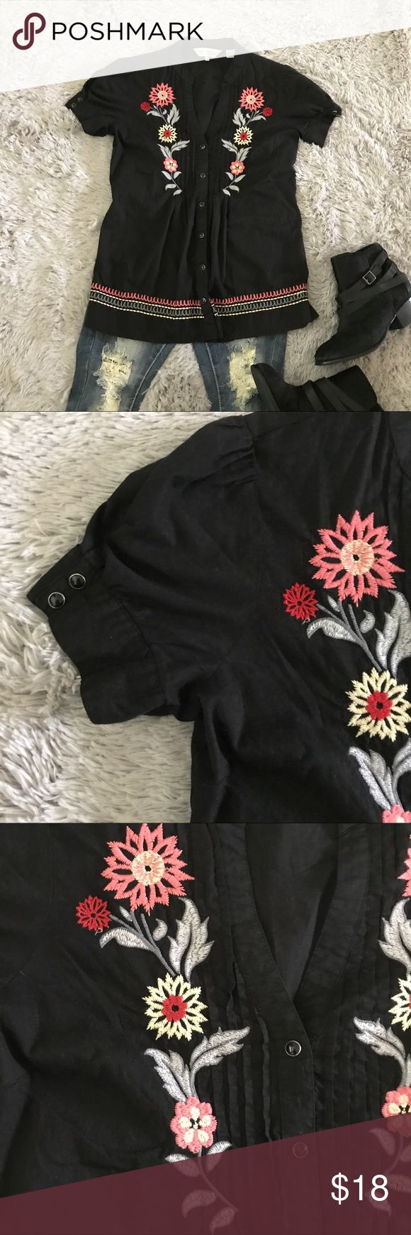 """4/$25🎈Roper Western embroidered blouse Great condition!  Snap buttons.  Measures 26"""" long and 17"""" armpit to armpit approximately.  Bundle with three other 🎈eligible items and offer $25 Roper Tops Blouses"""