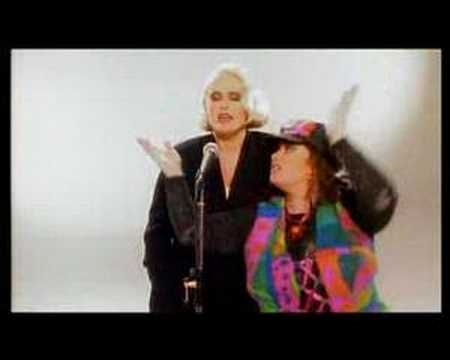 Alison Moyet and Dawn French - Whispering Your Name (classic!)