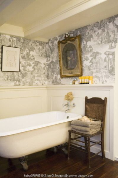 Sweetly elegant old-fashioned bath with coffered ceiling and Toile wallpaper