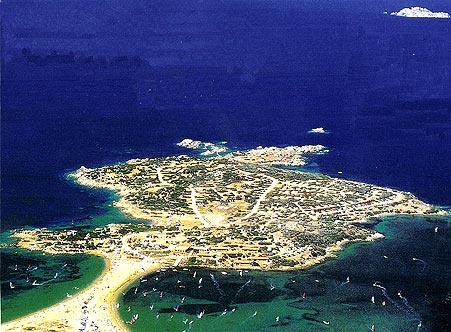 Porto Pollo & Isola dei Gabbiani. Prime windsurfing & sailing spot. More here... http://www.portopollo.it/index_eng.asp