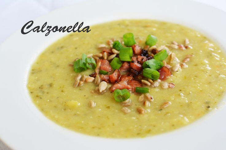 Pyszna i delikatna zupa krem z porów i cukinii