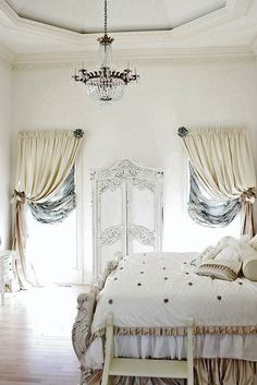 22 Classic French Decorating Ideas for Elegant Modern Bedrooms in Vintage Style