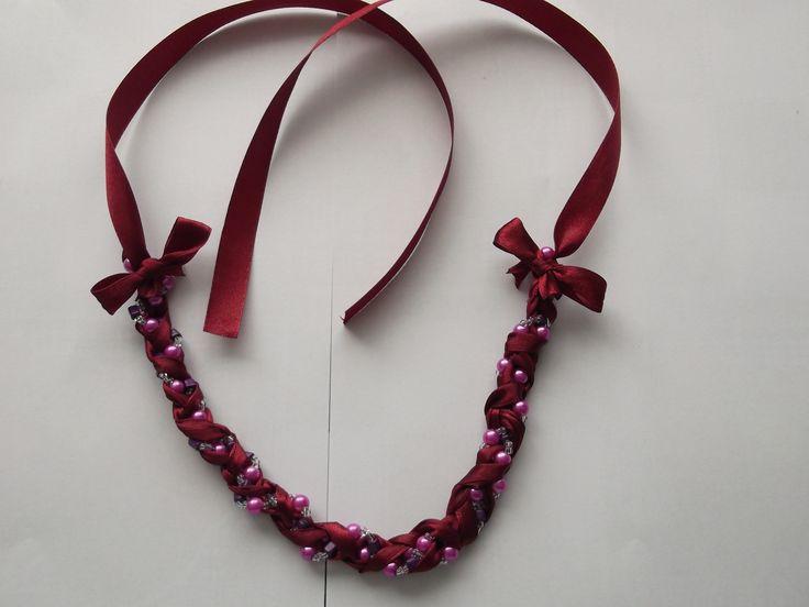 colier din pamblica grena cu perle roz din sticla si margele de nisip sticla alb transparente si mov  pret 35.00 lei mai multe detalii pe iza bijoumade