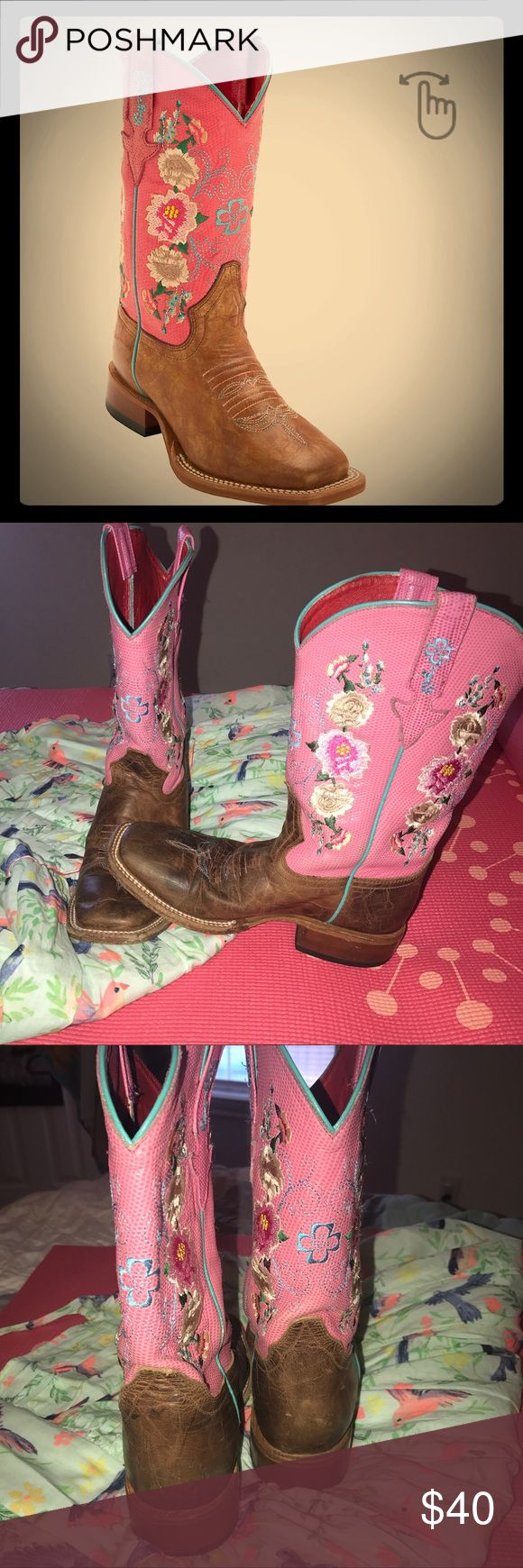 Macie Bean Boots girls 3Y Macie bean boots paid 130, has normal wear but still plenty of life in them for another little girl.  The right boot has a scuff mark up front but not highly noticeable when cleaned and kept.  Scuff seen in picture. macie bean Shoes Boots