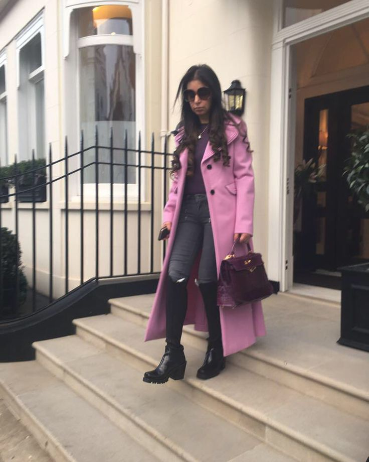 "HELLO! Pakistan on Instagram: ""Aasia Amer spotted in a statement pink coat in London 🔥🔥 #hellopakistan #hellomagazine #hellopromotions #as #aasiaamer"" • Instagram"