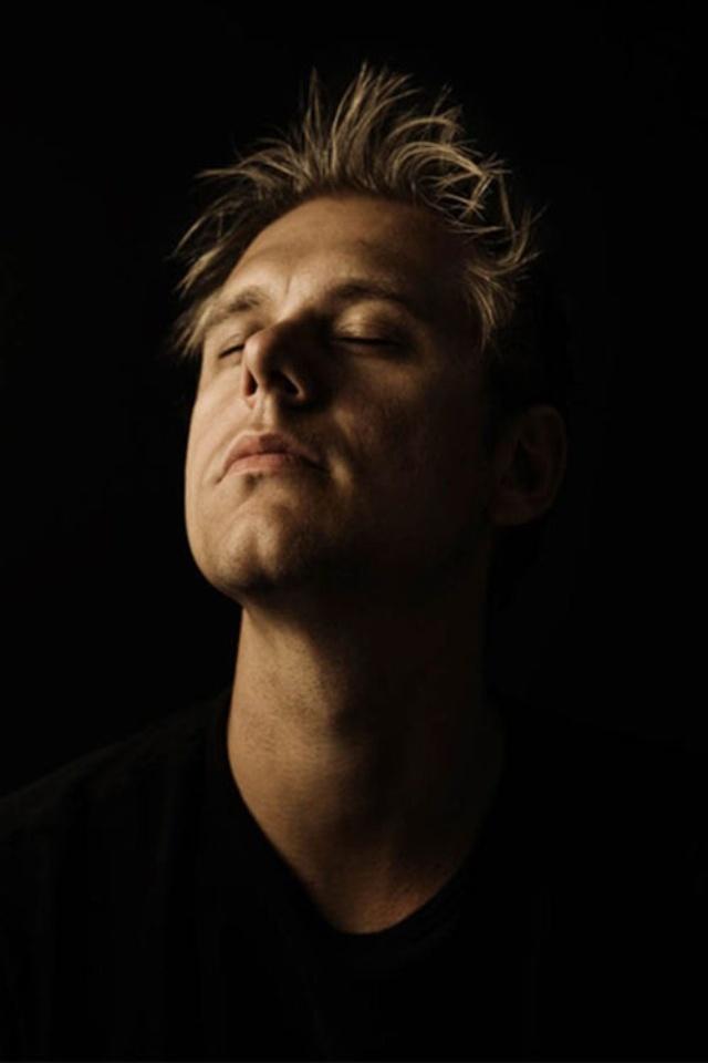 DJ Armin van Buuren Love AvB? Visit http://trancelife.us to read our latest #ASOT reviews.