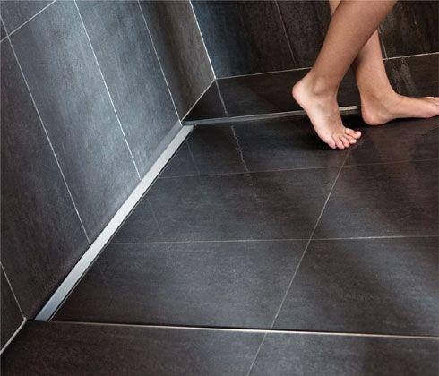 die besten 25 duschrinne ideen auf pinterest badezimmerasseccoirs kleines bad duschen und. Black Bedroom Furniture Sets. Home Design Ideas