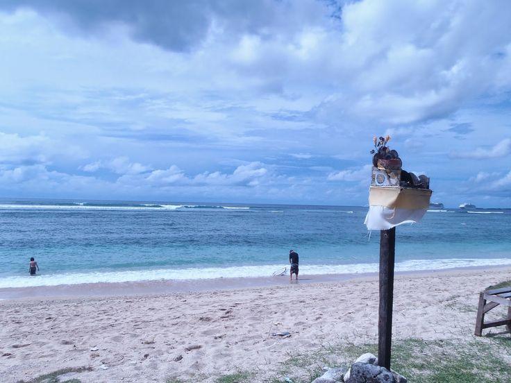 Bali Surf Guide: Turtle Island Beach   This beach has white sand...