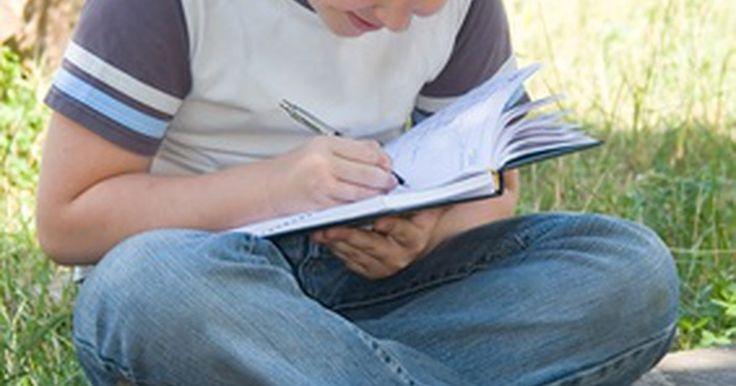 Atividades de escrita para o sexto ano. O sexto ano é um passo importante na educação de uma criança, principalmente na escrita. Os alunos estão em uma transição entre se focarem no básico da gramática e ortografia que aprenderam desde o jardim de infância e começarem a aplicá-lo nas habilidades essenciais de escrita que desenvolverão nas próximas séries. As atividades de escrita no ...