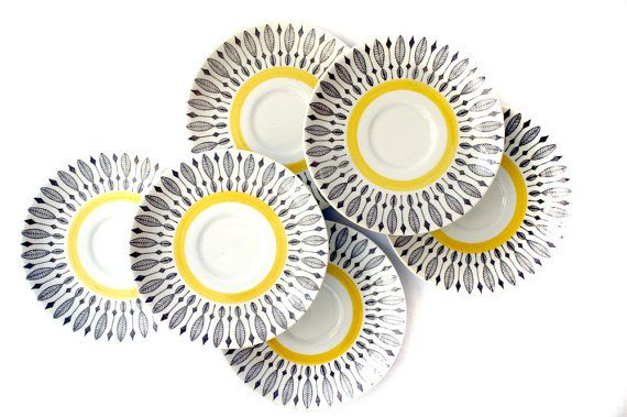 Give your kitchen some retro style with vintage Rörstrand of Sweden dishes.