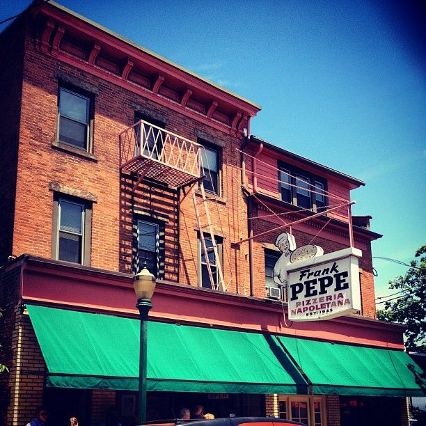 "Frank Pepe Pizzeria Napoletana, New Haven CT / Food Paradise, ""Pizza Paradise"", Travel Channel"