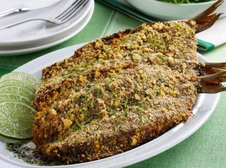 Receita de Sardinha Crocante Assada - 1,3 kg de sardinhas norueguesas limpas, Suco de 1/2 limão, 2 xícaras (chá) de farinha de milho, 1 xícara (chá) de fari...