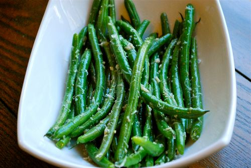 I love green these Garlic Parmesan Green Beans. I add butter, garlic and parmesan to freshly steamed green beans. Really? It's like not even fair, I know.