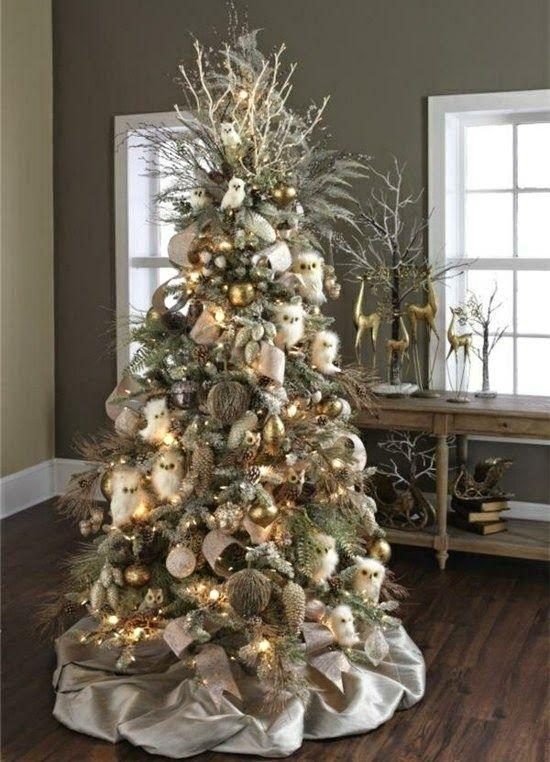 decoracion del arbol de navidad en color marron y beige. Black Bedroom Furniture Sets. Home Design Ideas