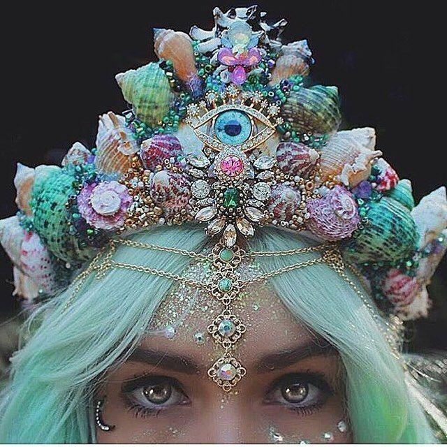 @chelseasflowercrowns #nowords #shellcrown  #mermaidinspiration