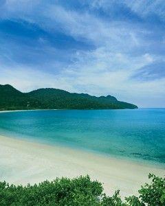 6 Honeymoon Destinations That Offer the Beach Plus More | Martha Stewart Weddings