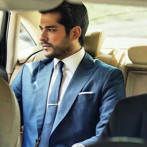 Instagram media by king.burak.ozcivit - I love you my heart ❤ @burakozcivit Güzellik Maşallah #buraközçivit