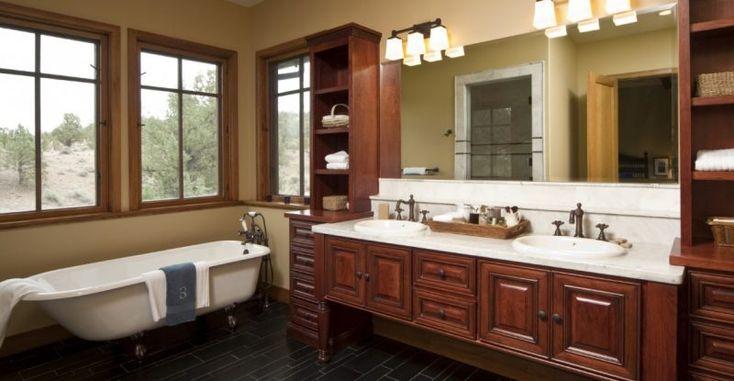 Avere una giusta illuminazione del bagno è fondamentale: ecco qualche idea che coniuga funzionalità ed estetica