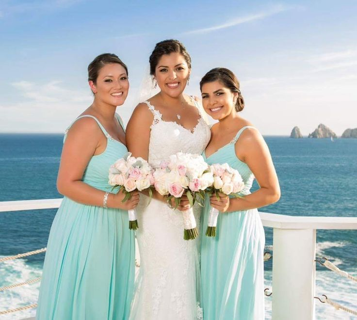 Our gorgeous bride Jessica and her beautiful bridesmaids at Sunset da Mona Lisa in Cabo San Lucas.   #wedding #makeup #makeupartist #beauty #love #bridetobe #wedspiration #destinationwedding #cabo #loscabos #ilovecabo #cabosanlucas #mexicowedding #loscaboswedding #almavallejo #cabomakeup #weddings #bride #bridal #bridalmakeup #bridalhair #hairstyle #airbrush #bridesmaids #bridalparty #novia #cabomakeupartist