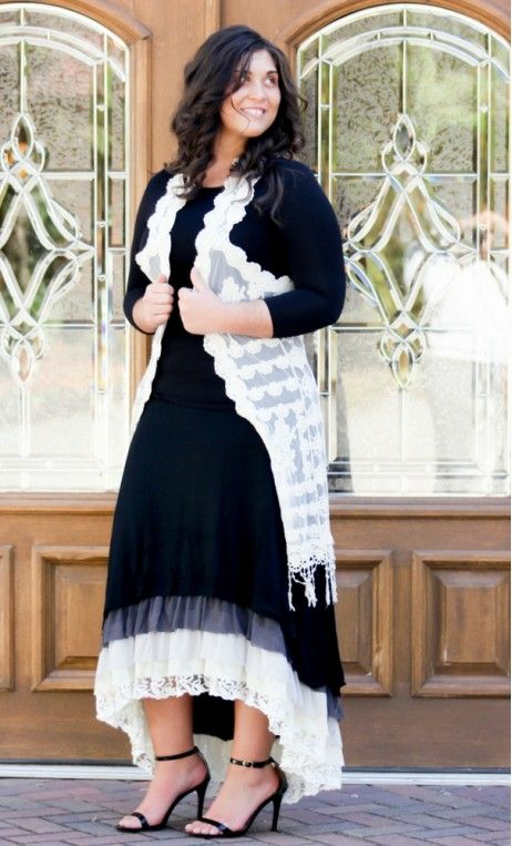 Black mixed fabric hi-lo long skirt with crochet, lace, cotton ruffled hem in black 1XL-2XL