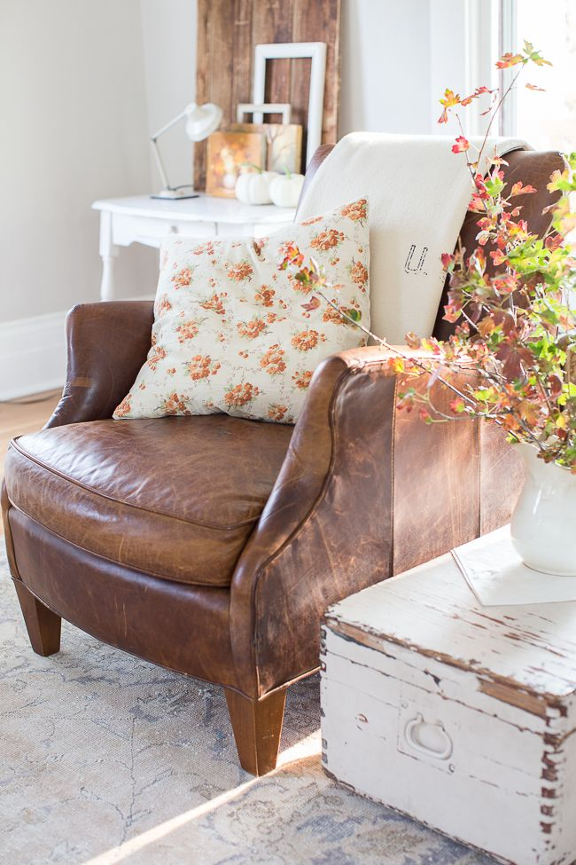 Reclaimed Wood and Leather: A Match Made in Heaven