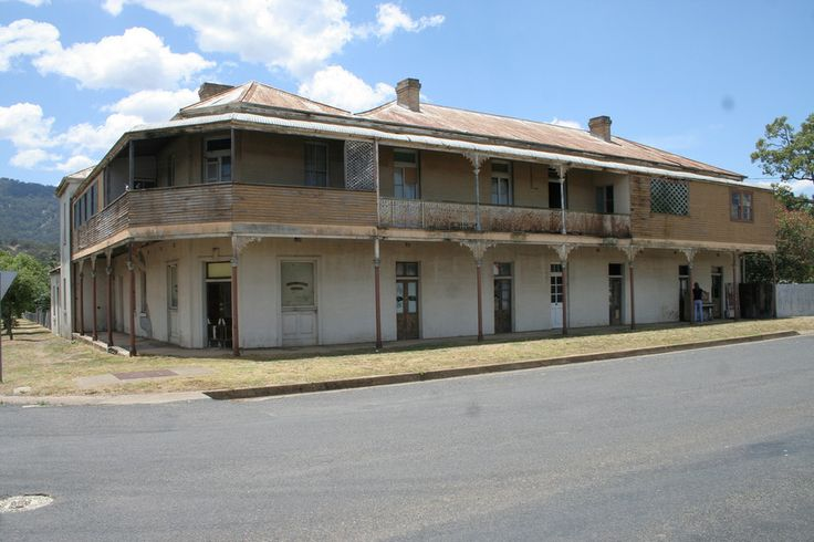 Pub in Murrurundi, New South Wales. | 35 Eerie Abandoned Places In Australia That Will Give You Chills