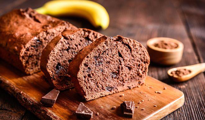 Schneller, saftiger Low Carb Schoko-Bananen-Kuchen