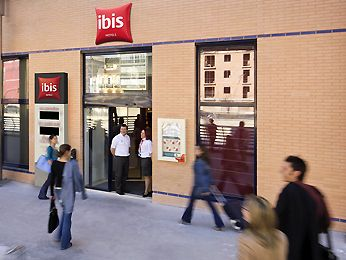 Hotel in MALAGA - Book at this ibis in Central Malaga