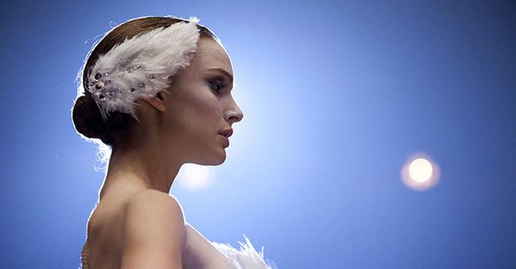 """Nuovo appuntamento con """"Nel labirinto della Mente"""", la rubrica di Nientepopcorn.it dedicata ai film in cui la vera protagonista è la psiche: questa volta, parliamo di uno dei film più famosi firmati da Darren Aronofsky, con una Natalie Portman da Oscar. http://www.nientepopcorn.it/notizie/il-cigno-nero-liberazione-dal-falso-se-41674/"""