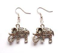Örhängen med elefanter från http://ladyofthelake.se