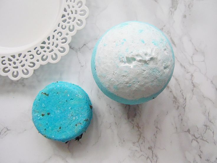 Lush Big Blue Bath Bomb & Seanik Solid Shampoo Bar