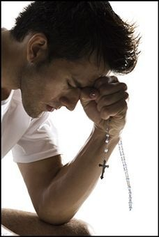 #Catholic man of God. Faithful in prayer. #Rosary #gentleman Yes please! :)