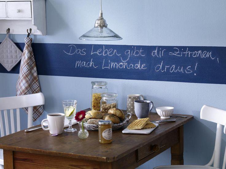 Küchendeko zum Selbermachen - 952154_tafelfarbe-StreifenAnDerWand_800x6007