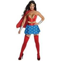 Estarás muy sexy con este espectacular disfraz de Wonder Woman, dejarás maravillado al personal.