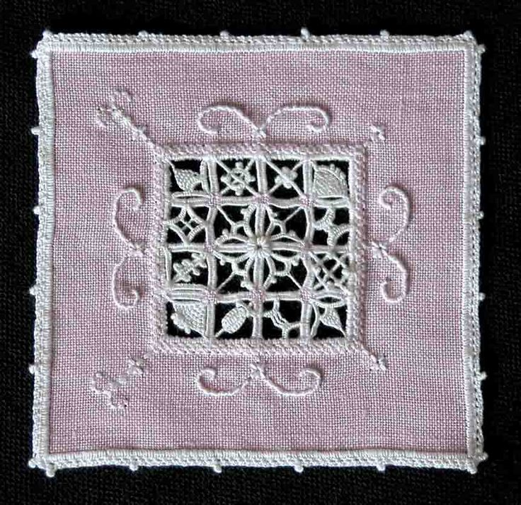 Reticella embroidery design taught by Giuliana Buonpadre ~ worked by Yolande of Fils et Aiguilles... une Passion