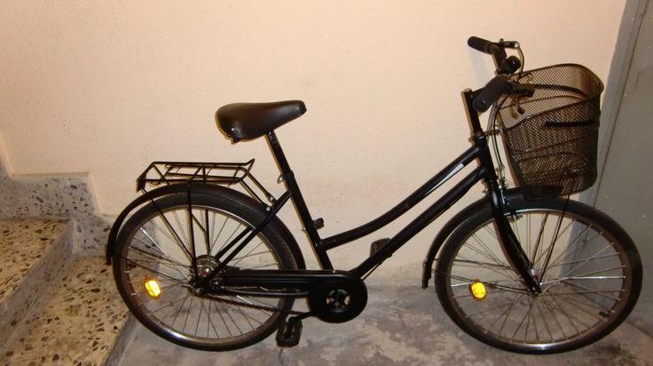 Bicicleta piñón fijo, paseo, cesta, color negro mate, ideal para urbanizarte. Propiedad de componentes bicicleta baratos en Zaragoza.