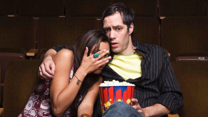Takut Saat Nonton Film Horor Ternyata Banyak Manfaatnya Buat Kesehatan, lho!