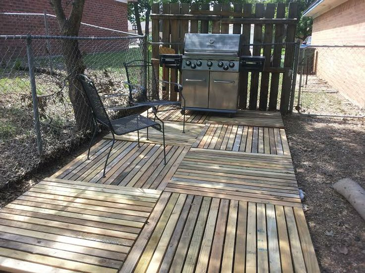 Bbq Deck From Pallets Pallet Patio Outdoor Areas Backyard