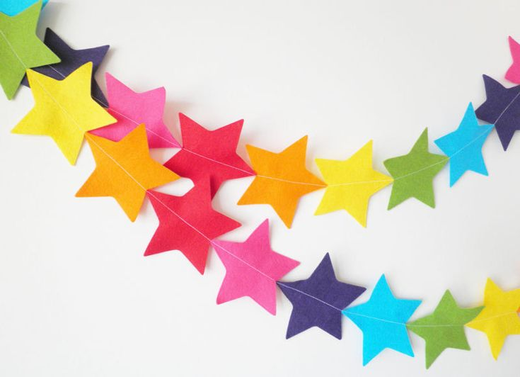 GIant Rainbow Star Garland - made with wool blend felt in bright rainbow colours, perfect for kids room or birthday. €12,00, via Etsy.