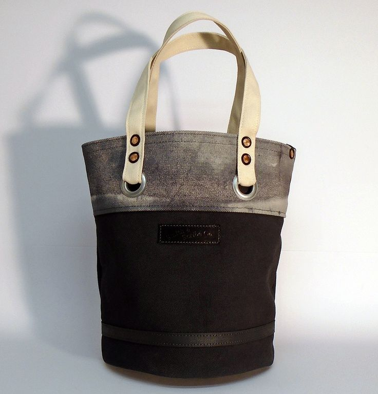"""Hand dyed cotton canvas tote bag - black with natural colored webbing strap ● Size: 11"""" x 14,2"""" - American ● 28 cm x 36 cm - European ● In case of order, please contact us with the following e-mail address: info@smithandscribeco.com #sailorbag #cottoncanvas #handmade #1920's #1930's #1940's #copperrivet #handdyedcanvas #premiumingredients"""