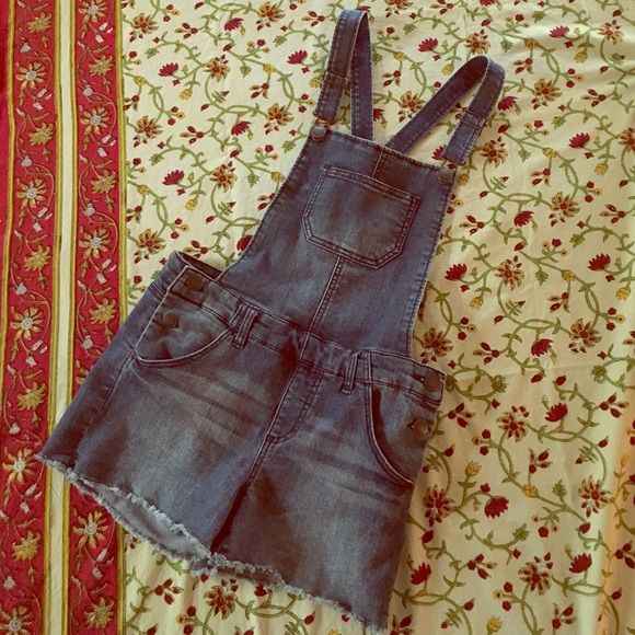 Denim Overalls (shorts) for girls/juniors Almost new denim overalls shorts, girls size XL but will fit junior small. Cherokee Shorts Jean Shorts