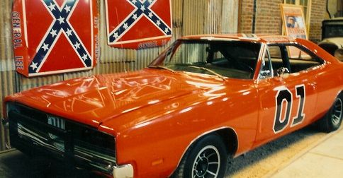 Owner of original �General Lee� car plans to paint over flag! Fans blast famous golfer for spineless move