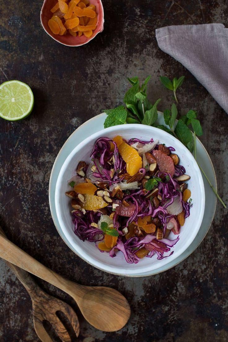 Opskrift: Rødkålsalat med pomelo, grape og appelsin