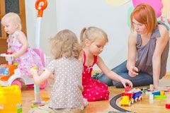 Kinderspiele: über 100 Spieletipps, die Spaß machen - Datenbank - Familie.de