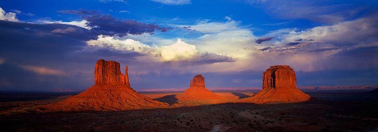 Navajo Sentinels Monument Valley USA   ..... DAVID EVANS